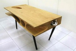猫の机.jpg